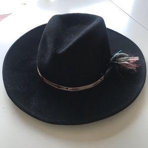 fde85592c4985 Vintage wool felt Sarratelli hat with ribbon trim